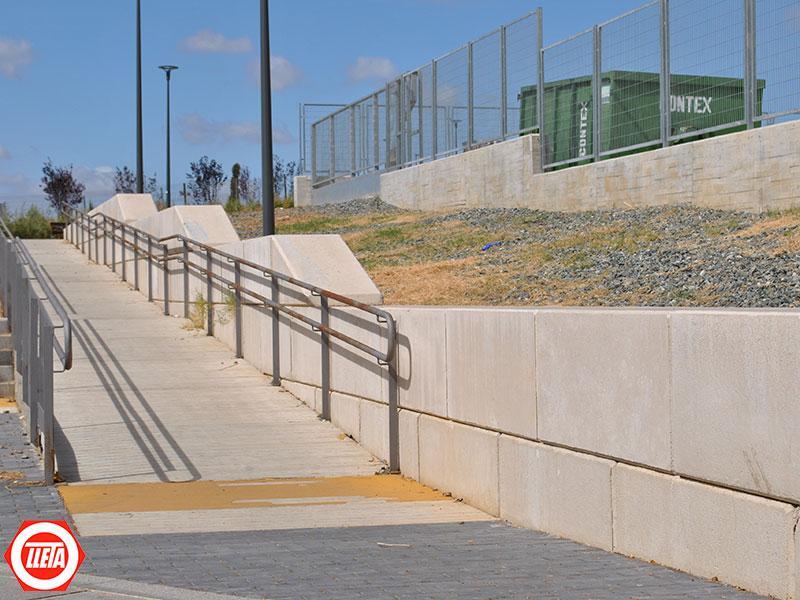 Muros de contención prefabricados y acceso de bloques de hormigón prefabricados