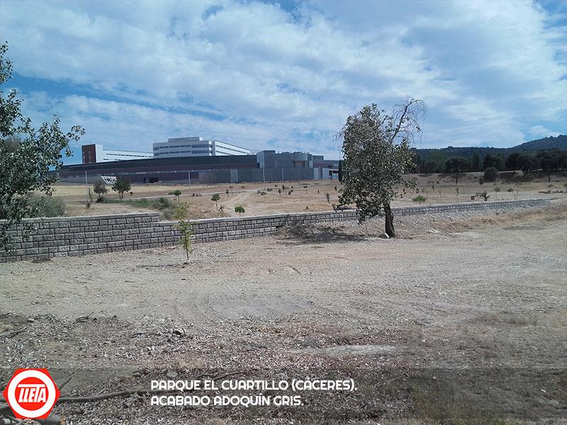 Parque El Cuartillo (Cáceres). Acabado Adoquín Gris.